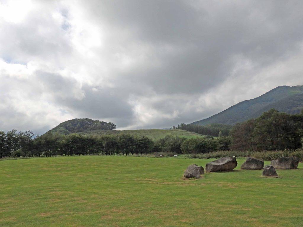 草原と千年の丘