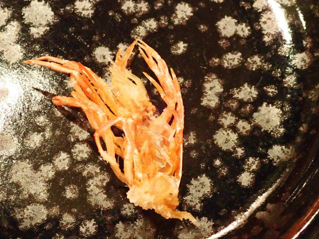 えびの殻の素揚げ