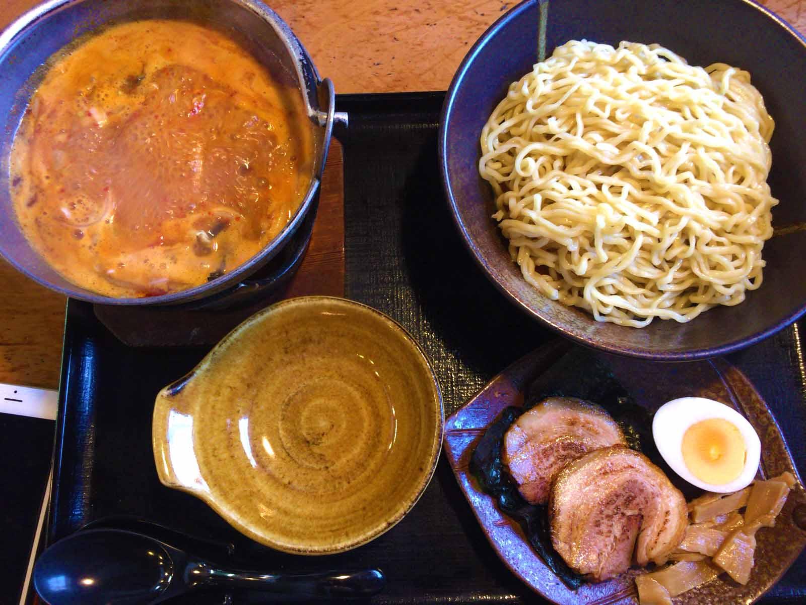 しおあつ麺、太ちぢれ麺・普通盛