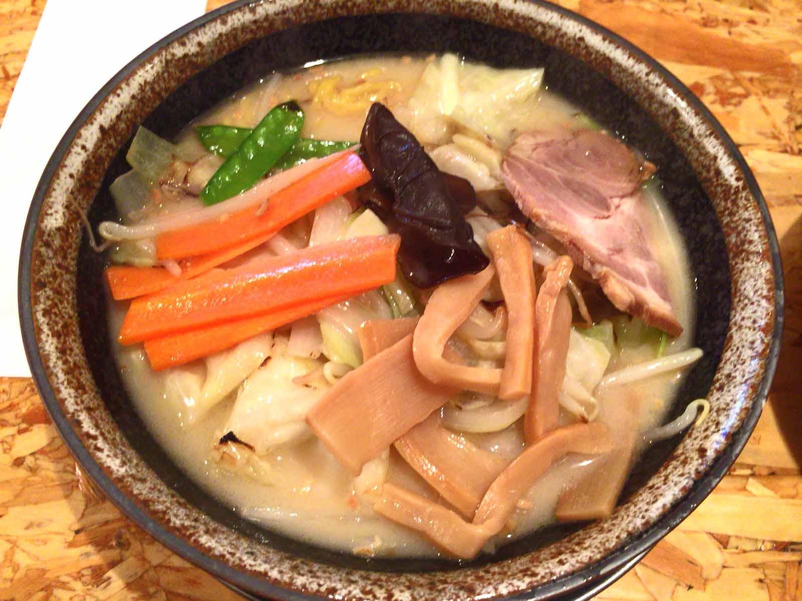 たっぷり野菜らー麺・塩
