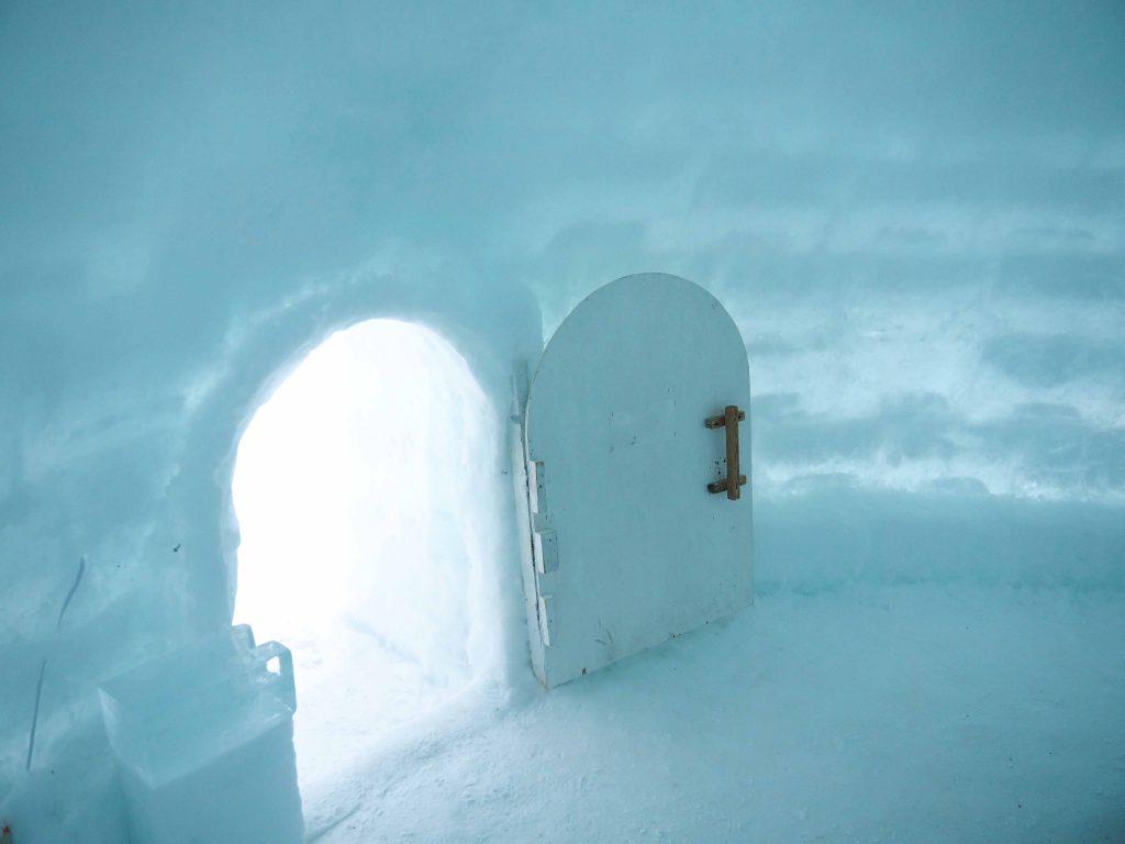 アイスロッジのドア